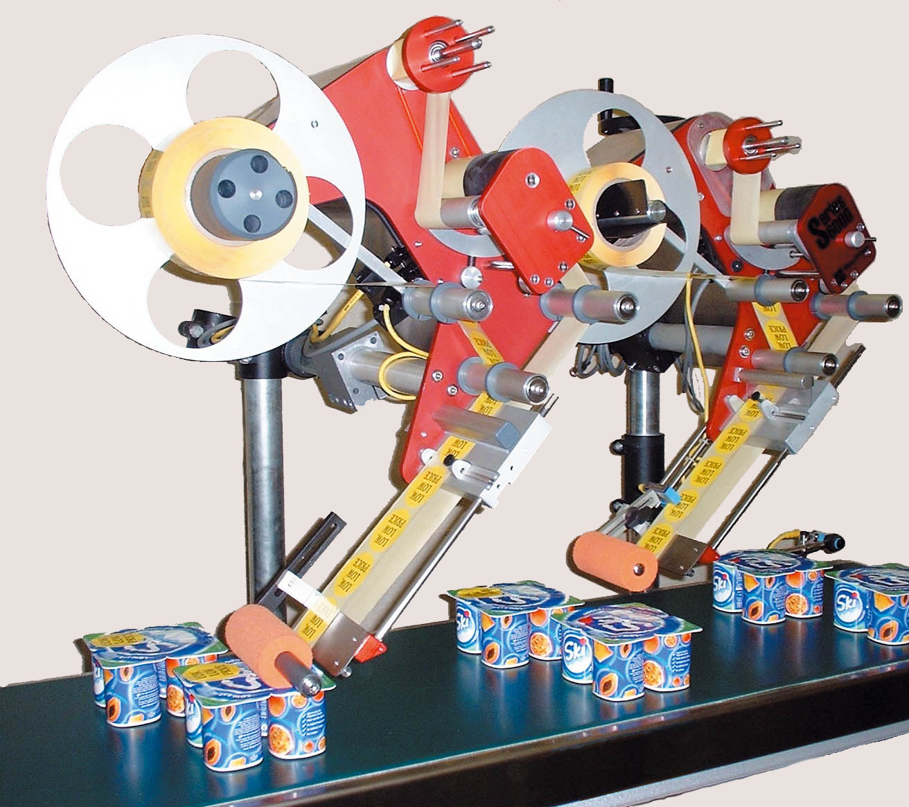 Label applicators for food packaging